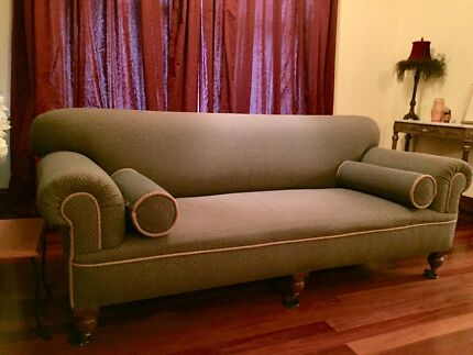 Late Victorian Chesterfield Lounge (C1890)