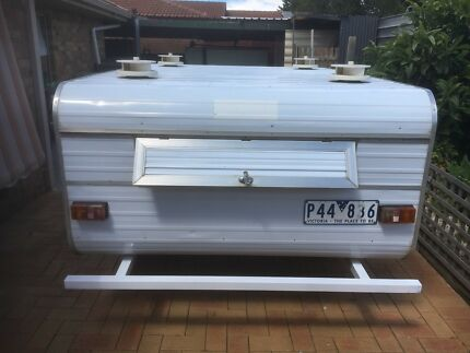 Dog trailer shardon
