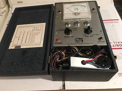 Vintage Bk Cathode Rejuvenator Tester Model 400 With Case And 2 Adapters