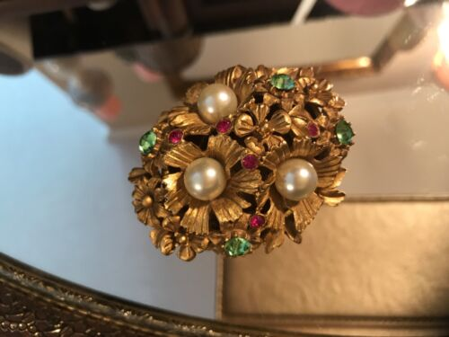 VINTAGE FLORENZA RING PILL TRINKET JEWELRY BOX GOLD WITH PEARLS AND RHINESTONES