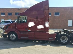 2007 Volvo VNL64T-630 for sale - Must See, Excellent Condition