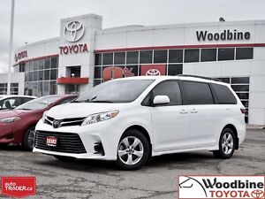 2018 Toyota Sienna LE 8 Passenger / Back up Camera