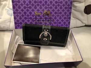 Coach wallet with original box / perfect Christmas gift!!