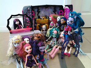 Monster High Dolls + Play sets Oxenford Gold Coast North Preview