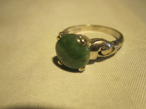 GORGEOUS VINTAGE 14K SOLID GOLD GENUINE SPINACH GREEN JADE RING ESTATE