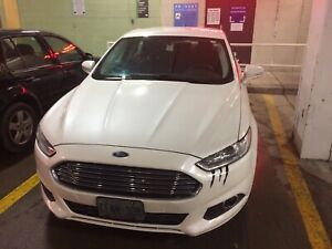 2013 Ford Fusion hybrid se very good condition