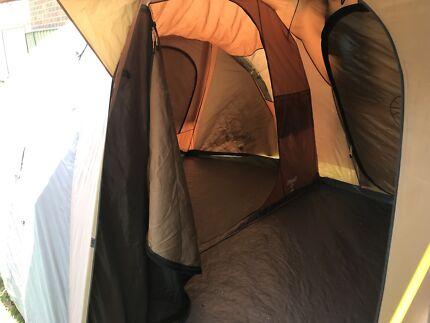 2x tent, 3 rooms