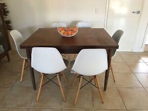 Retro table and dining chairs Maroochydore Maroochydore Area Preview