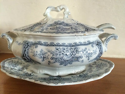 ANTIQUE VICTORIAN  F WINKLE WARWICK BLUE/WHITE 6 INCH TUREEN, LID, PLATE & SPOON