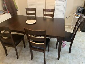 Expandable Dining 4-6 people excellent