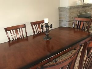 Dining table for six persons