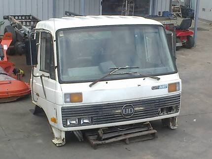 Dismantling Nissan UD CMA87 truck - read add for all details
