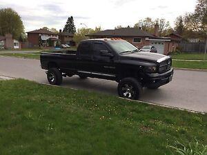 2003 Dodge Ram 2500 6 inch lift  cummins