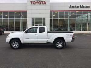 2015 Toyota Tacoma V6 AUTO; AIR; ALLOYS; BU CAMERA; TONNEAU C...