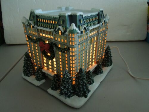 "Hawthorne Village "" New York Hotel "" Christmas In New York  A0254 #79063 lighted"
