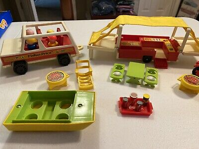 Vintage Fisher Price Little People #992 Pop-Up Camper