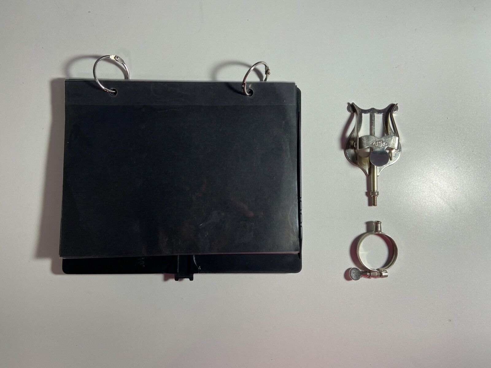 Bb Clarinet Lyre With Flip Folder For Marching Band. - $9.50