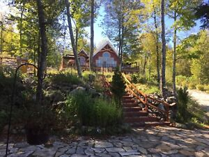 Wow! Spectacular Lakefront Cottage Rental Near Calabogie