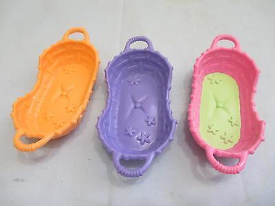 Hasbro Littlest Pet Shop Set Lot of 3 Different Beds Cat Dog Baskets Accessory