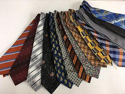 100 Krawatten Konvolut gemischt - Uni Streifen Paisley u.a.