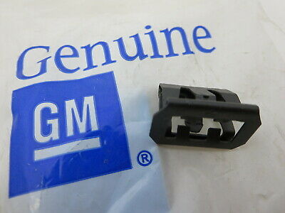 New GM OEM 2007 - 2013 Chevy Silverado GMC Sierra front grille clip retainer