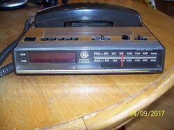 Nice GE Telephone Clock Radio Alarm