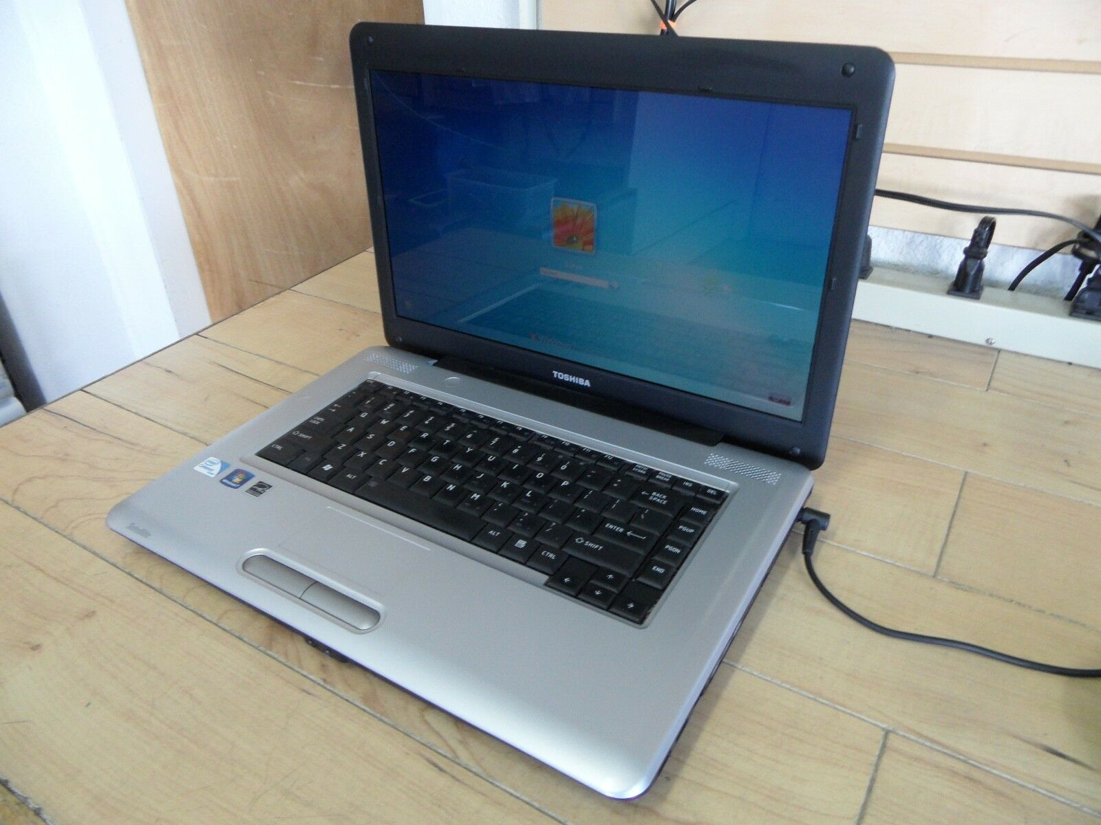 Toshiba Satellite L455 L455-S59 Laptop 4 Parts Booted Windows Hard Drive Wiped *
