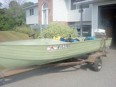 14 ft Aluminum Boat, trailer and 525 Humminbird fish finder