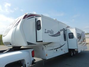 Keystone Laredo 33ft 5th Wheel Camper 3 Slides Rear Kitchen Living Room Thermal