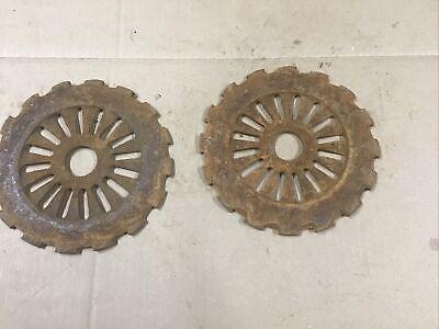 1 Pair 2ea Cast Iron Farmall Ih Planter Corn Plates 1978a