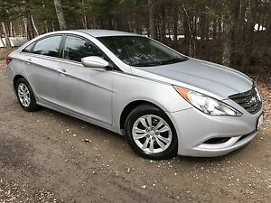 2011 Hyundai Sonata Automatic, New car trade $7,995.00