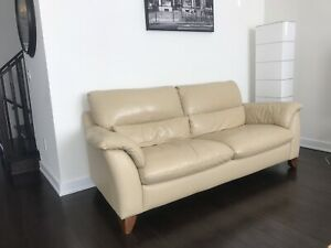 Natuzzi Set in a Very Good Condition (can be sold separately)