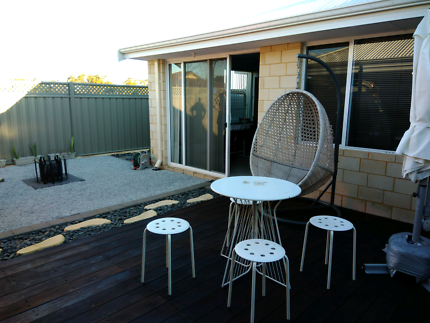 2 Rooms available New house 1 min walk from Wellard  station