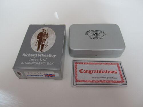 "Richard Wheatley Silver Seal 1301 F Aluminum Fly Box with Flies- 3 1/2"" x 2 1/2"""