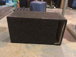 10 inch speaker box London Ontario image 1