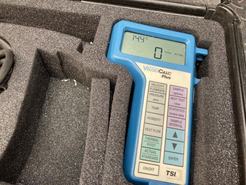TSI VelociCALC Plus 8386A Multi-Parameter Temperature Velocity Meter