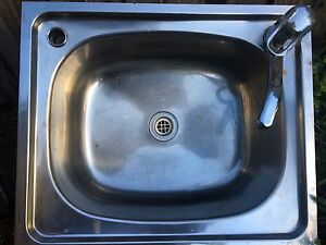 Laundry Sink and Mixer Warragul Baw Baw Area Preview