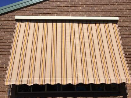 Outdoor canvas blinds
