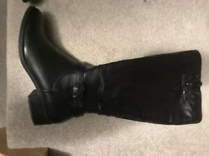 Women's riding boots. Size 10.