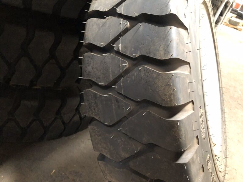 8.25-15 Kumho Pneumatic Tire & Inner Rim 6.50-15 Forklift Tires NashFuel