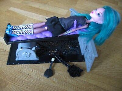 Draculaura Monster High BCC47 von Mattel ()