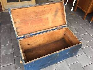 Old wooden timber trunk storage box. Use as is or restore to make Kewdale Belmont Area Preview