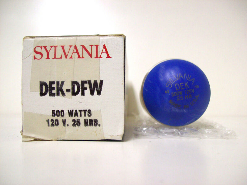 DEK/DFW Projector Projection Lamp Bulb Sylvania READ DESCRIPTION* AVG 25-HR LAMP