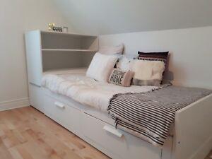 Ensemble lit et meuble de rangement
