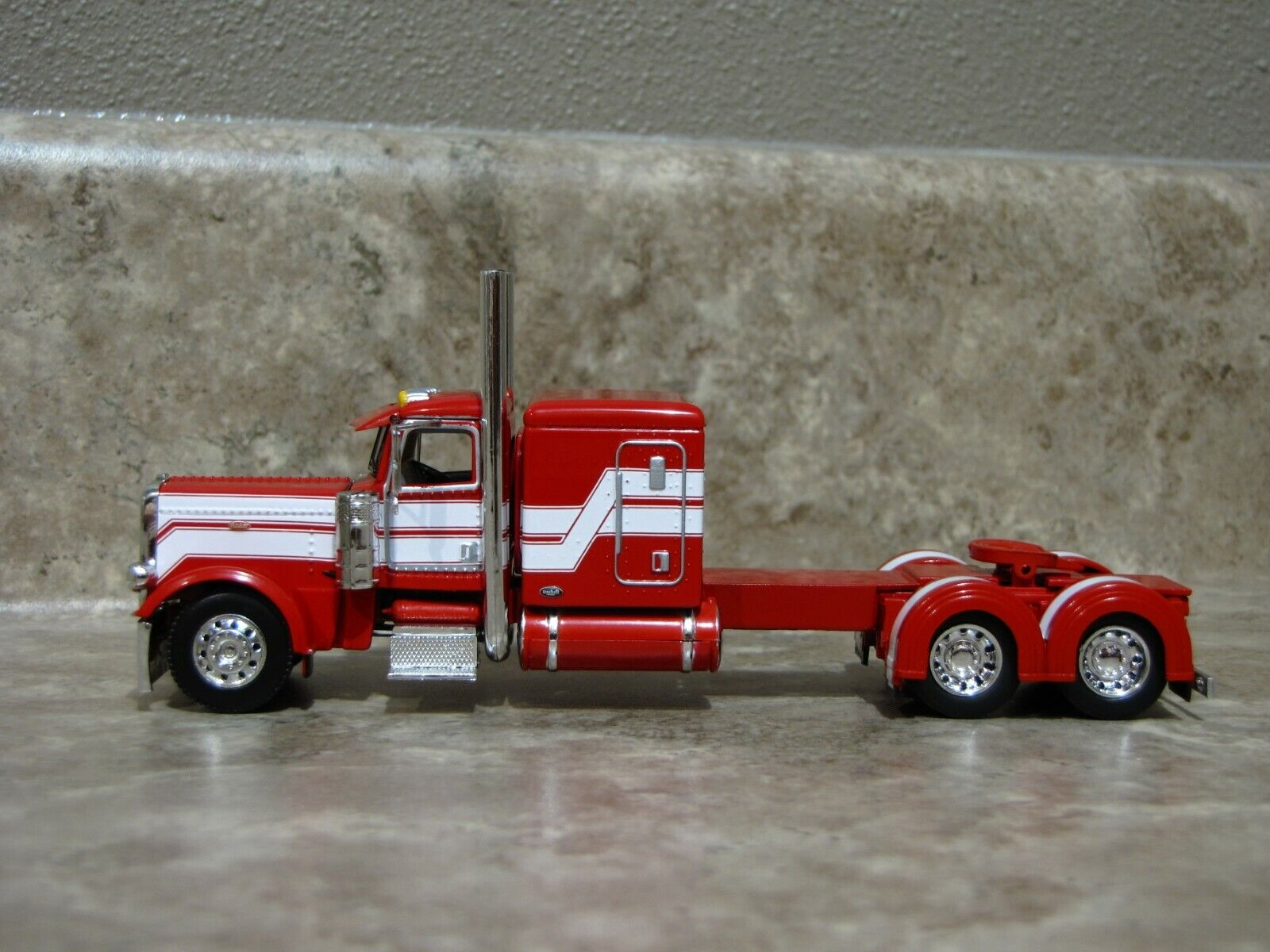 DCP 1/64 Red White Flattop Peterbilt 389 Semi Truck Farm Toy 1