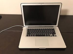 "MacBook Pro 2010 - HD Matte screen 15"""