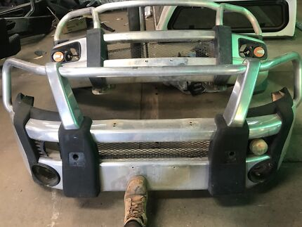 Toyota HILUX bull bar & HILUX 2004 DUAL CAB FRONT AND BACK DOORS COMPLETE | Auto Body parts ...