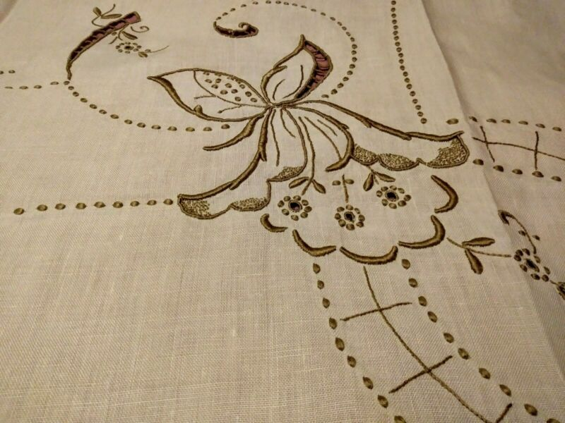 """Beautiful Floral Cutwork & Embroidered Madeira Linen Tablecloth 44"""" by 40l2"""""""