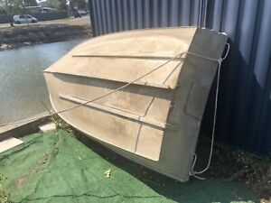 3m tinny boat no leaks. Great for fishing. Not registered.