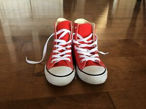 Red, gently used Converse Hightops! (Children's size 2)